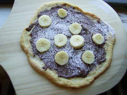 Nutella and Banana Whole-Wheat Pizza for World Nutella Day